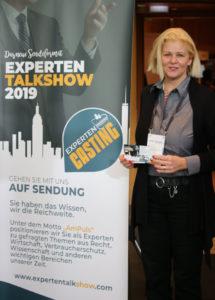 Experten Talkshow Redakteurin Frau Dr. Anette Schunder-Hartung moderiert den Bereich Recht.