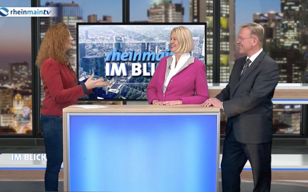 Experten Talkshow zum Interview im Fernsehstudio